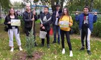 """11 сентября 2021 г. студенты и сотрудники приняли участие в ежегодной акции: """"Наш лес. Посади свое дерево""""."""